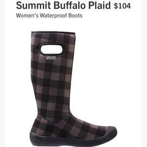 BOGS Summit Buffalo Plaid Women's waterproof boots